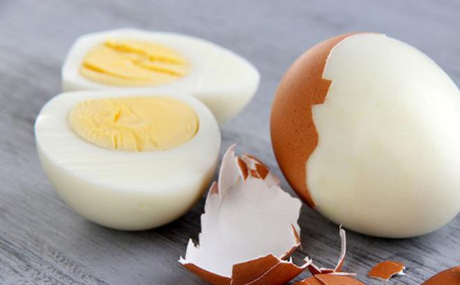 Trứng ăn lòng đỏ hay lòng trắng sẽ tốt hơn: Chuyên gia dinh dưỡng mách cách ăn của người khôn - Ảnh 1.