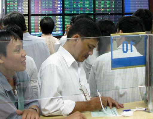 Thuế cổ tức bằng cổ phiếu: Nhà đầu tư thiệt, công ty chứng khoán rối việc - Ảnh 1.