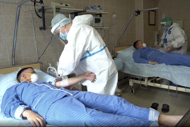 Nga bắt đầu triển khai tiêm vaccine ngừa COVID-19 đại trà  - Ảnh 1.