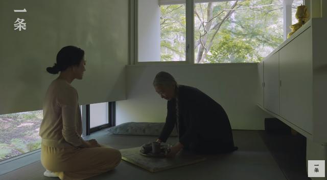 """Nữ nhiếp ảnh gia 65 tuổi người Nhật vào rừng xây nhà, ở một mình, chơi với mèo: """"Phụ nữ phải tự lập, sống cho bản thân chính là sự nghiệp cả đời""""!  - Ảnh 8."""