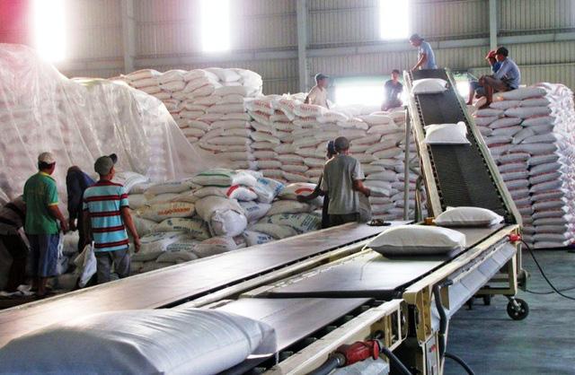 Gạo Việt Nam được các nhà nhập khẩu thu mua với giá cao - Ảnh 1.
