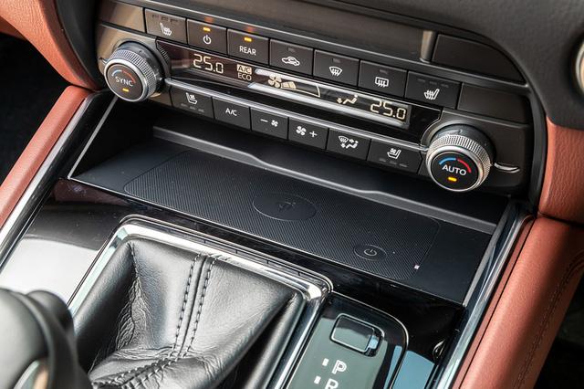 Ra mắt Mazda CX-8 2021: Giá quy đổi từ 1,05 tỷ đồng, phả hơi nóng lên Hyundai Santa Fe - Ảnh 8.
