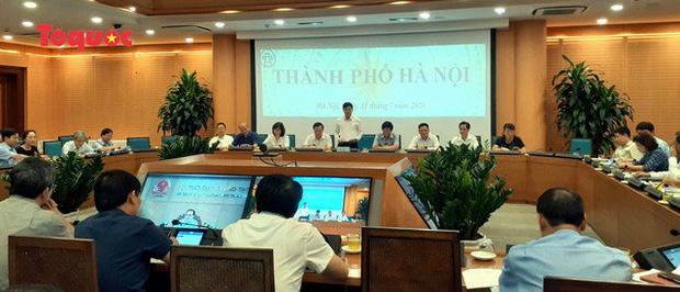 Chống gian lận thi cử do đeo khẩu trang, Hà Nội sẽ phát khẩu trang mới cho thí sinh bên trong trường thi - Ảnh 1.