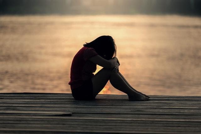 5 giai đoạn của nỗi buồn: Hiểu rõ cảm xúc khi trải qua mất mát giúp chúng ta chữa lành vết thương lòng, tránh xa nguy cơ trầm cảm - Ảnh 2.