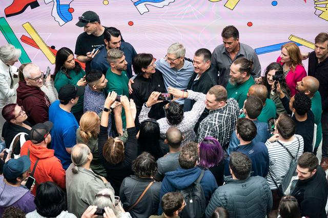 Apple của Tim Cook - Biến tác phẩm của Steve Jobs trở thành công ty nghìn tỷ USD, kinh doanh giỏi nhất thế giới bằng một phong cách lãnh đạo khác biệt hoàn toàn - Ảnh 4.