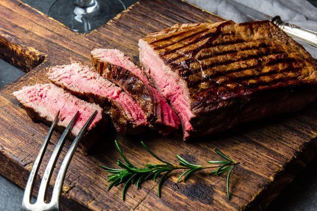5 loại thực phẩm có thể rút mất canxi của cơ thể cực nhanh, toàn món ngon bạn hay ăn hàng ngày và nếu chủ quan sẽ gây loãng xương, mất cơ bắp - Ảnh 4.