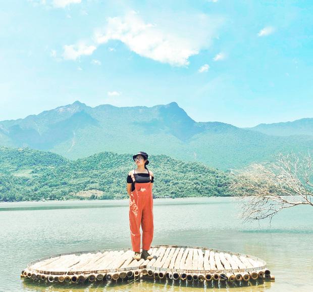 Cô nàng độc thân 26 tuổi lần đầu đi xuyên Việt bằng xe máy với 7 triệu và 17 ngày: Cả tuổi trẻ dành để đi bụi, sống không dũng cảm uổng phí thanh xuân! - Ảnh 7.