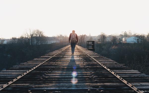 Hội chứng nỗi buồn Millennials: Thế hệ cô đơn nhất, kể cả không vui khi kiếm được nhiều tiền... - Ảnh 1.