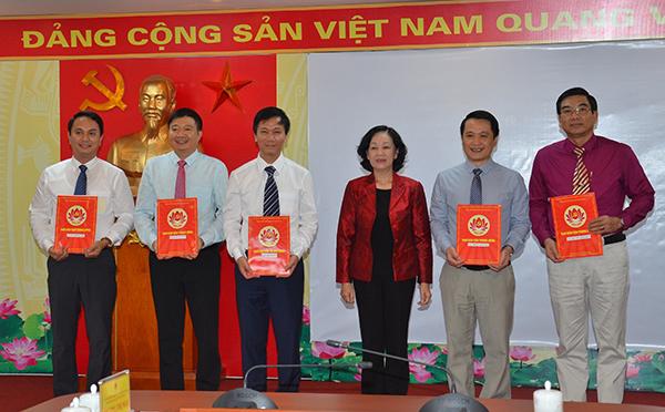 Bộ Chính trị điều động Bí thư Tỉnh ủy về Trung ương - Ảnh 3.