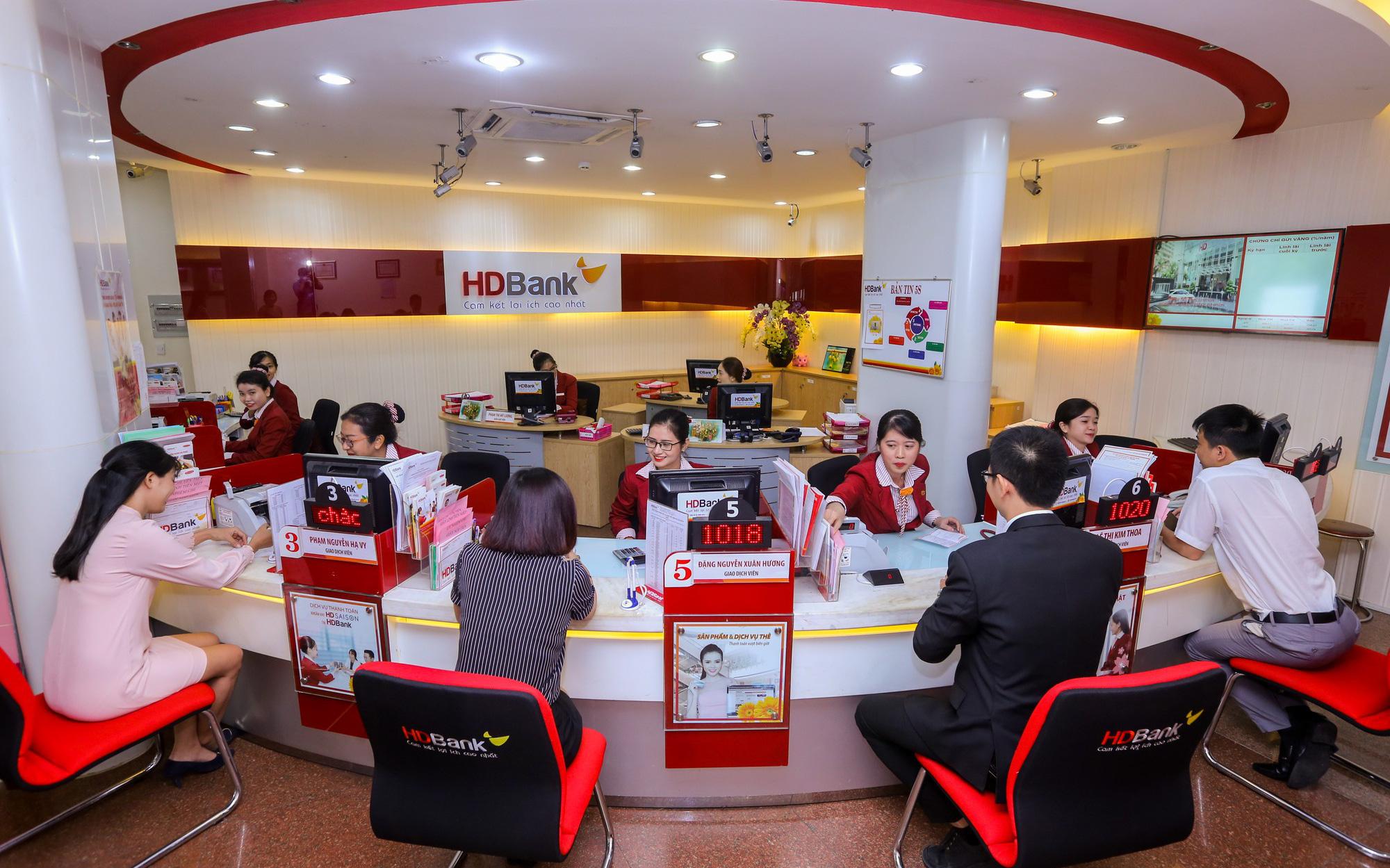 Cổ phiếu HDB của HDBank tăng 10 phiên liên tiếp