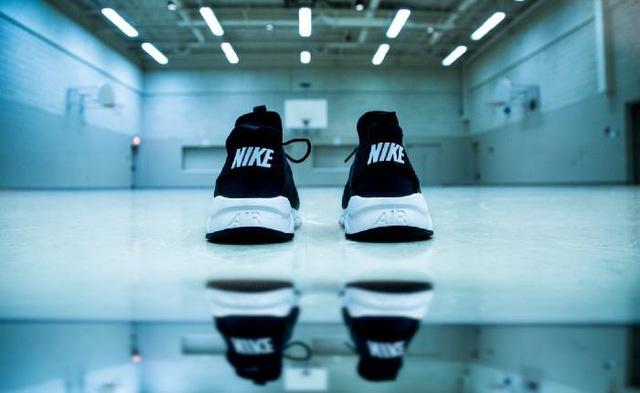 Hành trình trở thành thương hiệu toàn cầu trị giá 100 tỷ USD của Nike  - Ảnh 2.