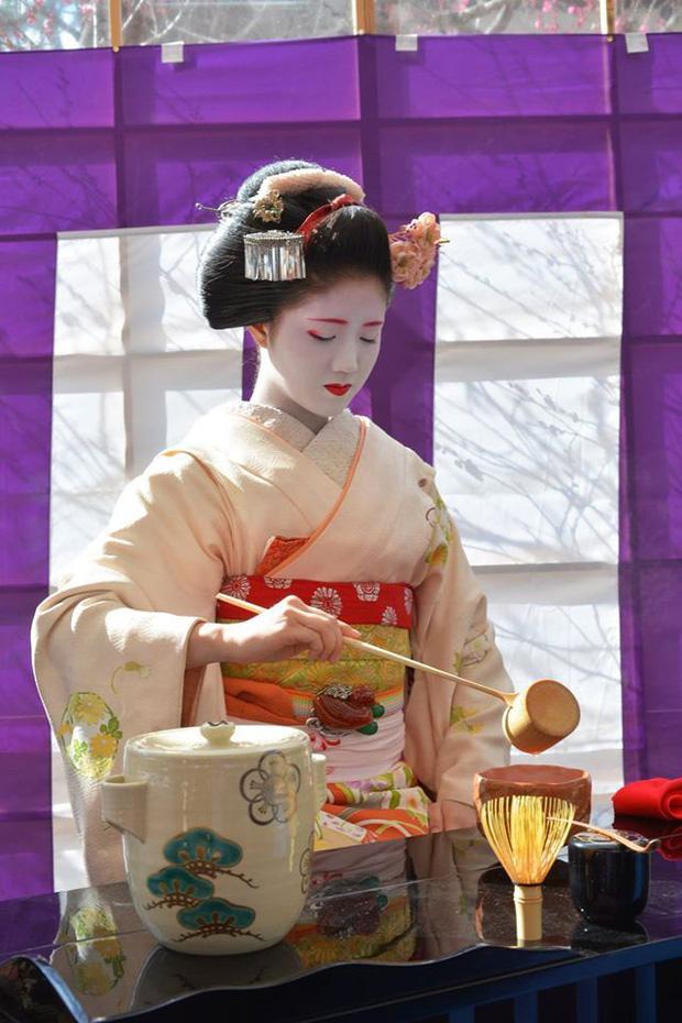 Uống trà rất tốt cho sức khỏe nhưng có 4 thói quen uống trà có hại, đặc biệt là thói quen đầu tiên có thể gây ung thư - Ảnh 1.