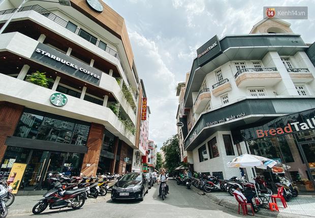 Hơn nửa năm đóng cửa vì dịch Covid-19, giá thuê mặt bằng trên đường Phan Xích Long vẫn chưa hạ nhiệt - Ảnh 16.
