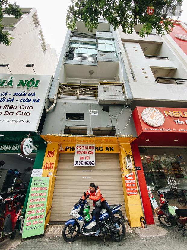 Hơn nửa năm đóng cửa vì dịch Covid-19, giá thuê mặt bằng trên đường Phan Xích Long vẫn chưa hạ nhiệt - Ảnh 4.