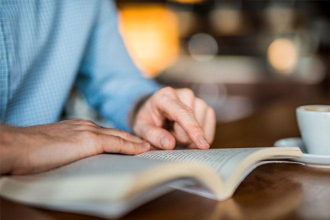 Lý do bạn nên có một giá sách trong nhà: Nhà càng nhiều sách, trẻ càng thông minh, phát triển toàn diện - Ảnh 1.