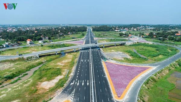 Chuyển biến giải ngân đầu tư công nhìn từ dự án trọng điểm cao tốc Bắc-Nam - Ảnh 1.