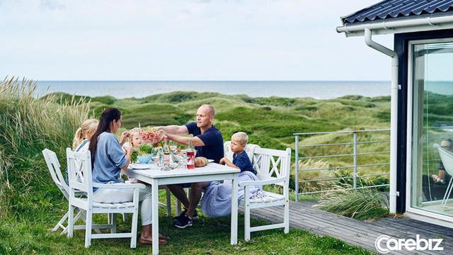 Bí quyết sống hạnh phúc của người Bắc Âu: Coi trọng PHẨM CHẤT chứ không phải VẬT CHẤT, tiết kiệm, sống đơn giản, yêu gia đình - Ảnh 1.