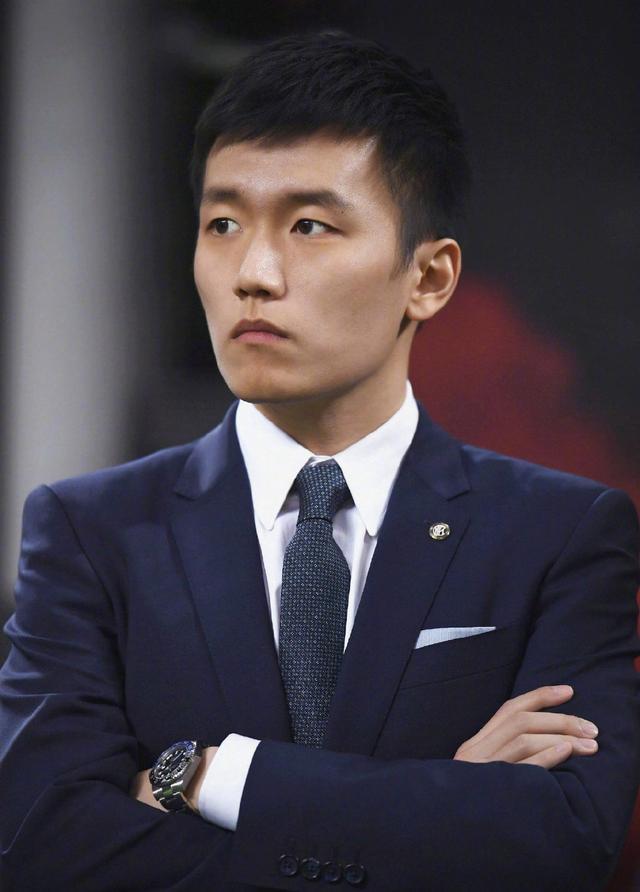 Thiên kim giới siêu giàu Trung Quốc: 23 tuổi thừa kế tài sản hơn 330 nghìn tỷ đồng, đính hôn với Thái tử điển trai của tập đoàn bán lẻ lớn nhất nước - Ảnh 5.