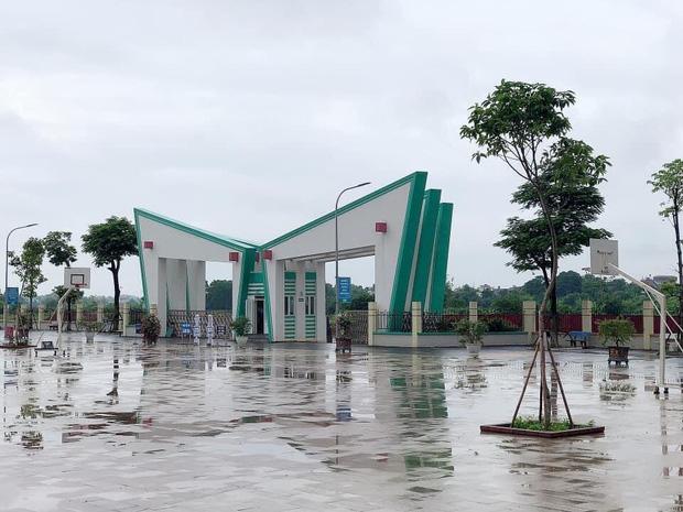 Kiến trúc sang chảnh hàng trăm tỷ đồng của các trường THPT Chuyên ở Việt Nam: Vị trí số 1 gây bất ngờ nhất - Ảnh 1.