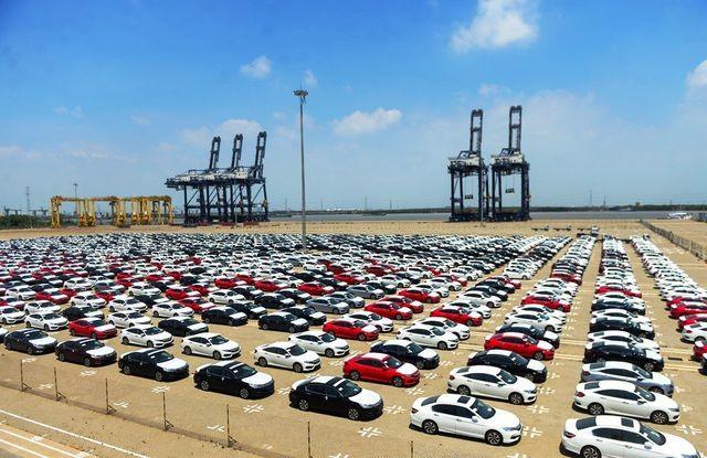 Ô tô nhập khẩu tăng mạnh - Ảnh 1.
