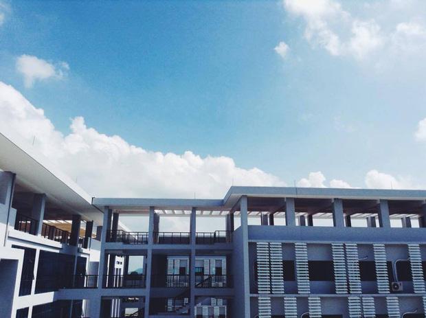 Kiến trúc sang chảnh hàng trăm tỷ đồng của các trường THPT Chuyên ở Việt Nam: Vị trí số 1 gây bất ngờ nhất - Ảnh 12.