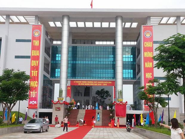 Kiến trúc sang chảnh hàng trăm tỷ đồng của các trường THPT Chuyên ở Việt Nam: Vị trí số 1 gây bất ngờ nhất - Ảnh 14.