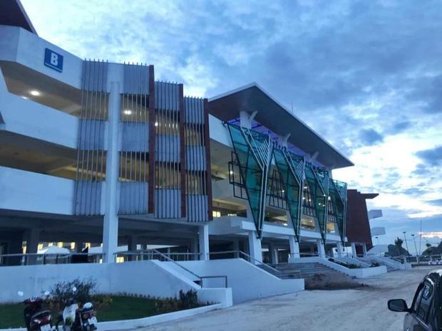 Kiến trúc sang chảnh hàng trăm tỷ đồng của các trường THPT Chuyên ở Việt Nam: Vị trí số 1 gây bất ngờ nhất - Ảnh 15.