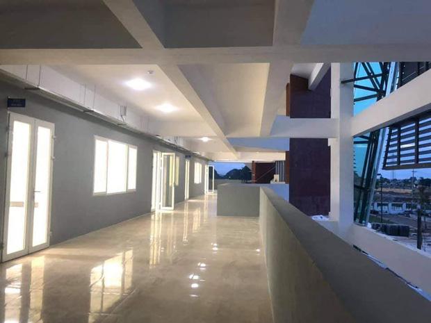 Kiến trúc sang chảnh hàng trăm tỷ đồng của các trường THPT Chuyên ở Việt Nam: Vị trí số 1 gây bất ngờ nhất - Ảnh 19.
