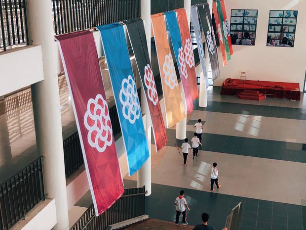 Kiến trúc sang chảnh hàng trăm tỷ đồng của các trường THPT Chuyên ở Việt Nam: Vị trí số 1 gây bất ngờ nhất - Ảnh 21.