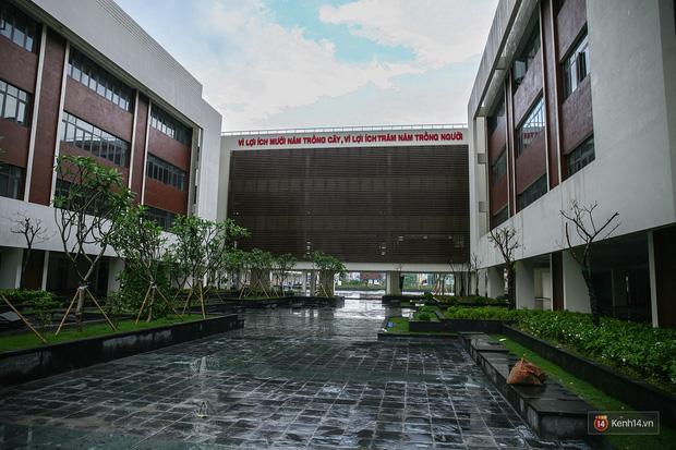 Kiến trúc sang chảnh hàng trăm tỷ đồng của các trường THPT Chuyên ở Việt Nam: Vị trí số 1 gây bất ngờ nhất - Ảnh 28.