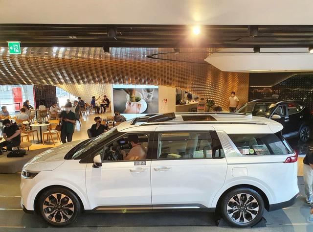 Chi tiết Kia Sedona 2021 ngoài đời thực: Đẹp như xe sang, dân Hàn đổ xô đặt mua, chờ THACO lắp ráp tại Việt Nam - Ảnh 4.
