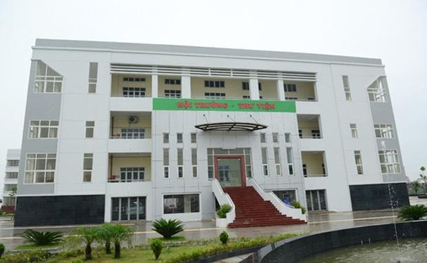 Kiến trúc sang chảnh hàng trăm tỷ đồng của các trường THPT Chuyên ở Việt Nam: Vị trí số 1 gây bất ngờ nhất - Ảnh 6.