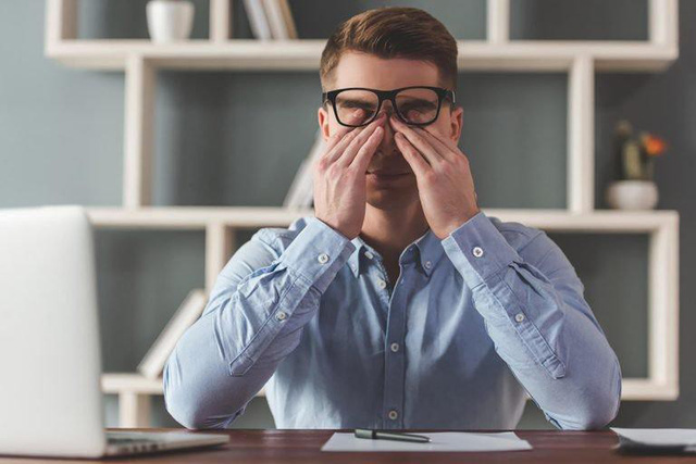Nhận diện những biểu hiện của căng thẳng cực độ: Không sớm tìm cách giải tỏa, cả công việc và cuộc sống đều lao dốc - Ảnh 1.