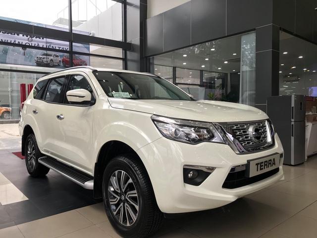 Đại lý xả kho Nissan Terra giảm gần 130 triệu đồng: Bản cao nhất 870 triệu đồng, giá chạm đáy mới tại Việt Nam - Ảnh 1.