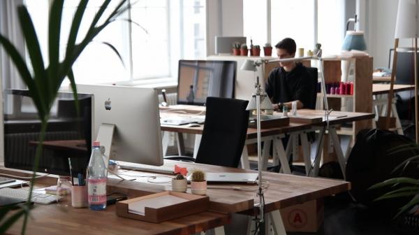 5 kiểu công ty tưởng tốt nhưng toàn kìm hãm sự phát triển của nhân viên, ở lại lâu chẳng khác nào chôn vùi cả thanh xuân lẫn sự nghiệp - Ảnh 1.