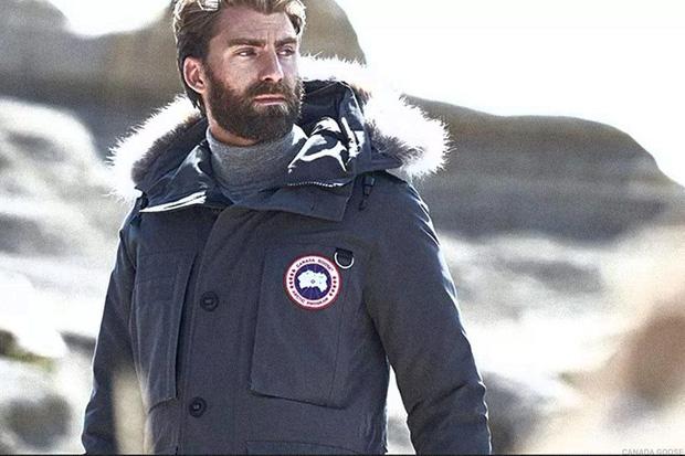 Bí mật thương hiệu: Chiếc áo khoác nhìn tầm thường nhưng lại đắt đến khủng khiếp, từng bị trường học Anh cấm học sinh sử dụng - Ảnh 3.