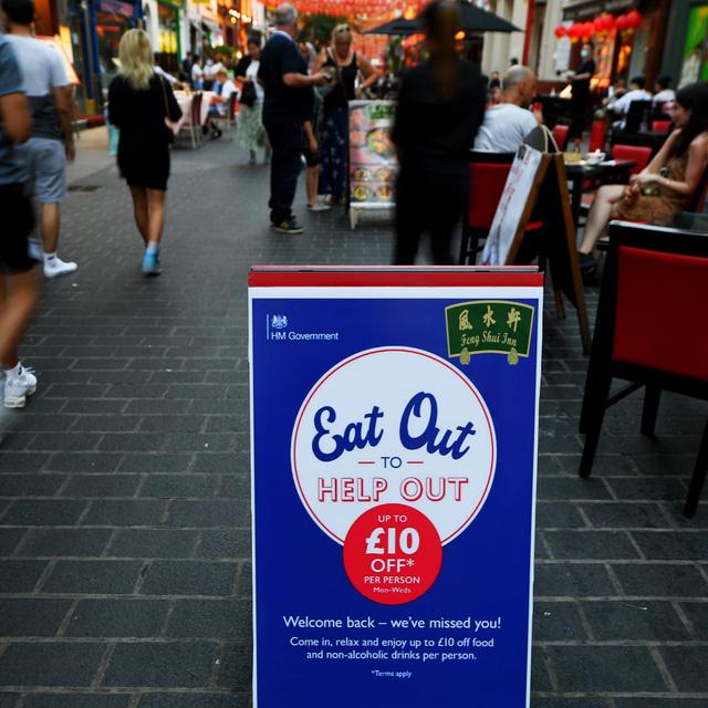 Chính phủ Anh trả 50% hóa đơn cho người dân đi ăn nhà hàng - Ảnh 2.