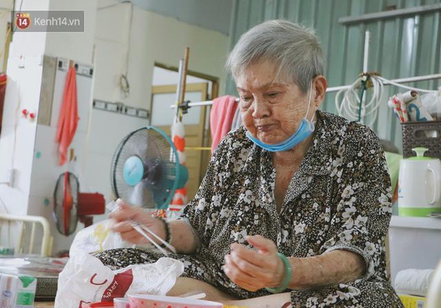 Mái nhà chung của 146 cụ già neo đơn ở Sài Gòn: Bà chẳng thiếu gì cả, chỉ thiếu mỗi gia đình... - Ảnh 2.