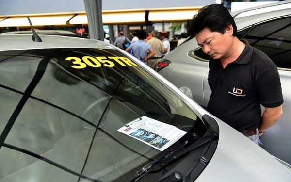 Đua thanh lý ô tô giá chỉ từ 60-200 triệu đồng: Chỉ là thủ thuật câu khách? - Ảnh 2.