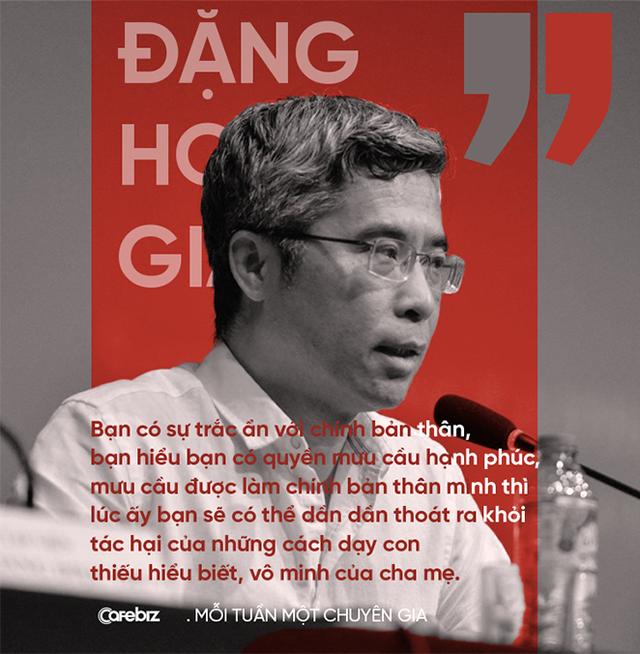 Tiến sĩ Đặng Hoàng Giang: Nhiều người trẻ bên ngoài trông hầm hố, cool ngầu… nhưng bên trong đổ vỡ, trống rỗng  - Ảnh 7.