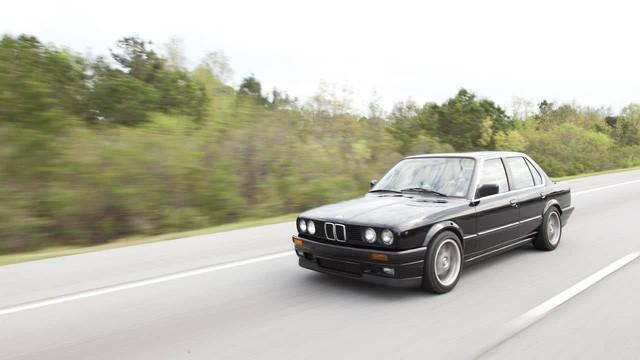 Những chiếc xe vĩ đại nhất mọi thời đại: Thập niên 80 lồng ghép mọi thứ chẳng liên quan vào trong một cỗ máy tinh tế - Ảnh 8.