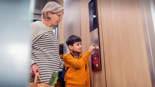 Những điều cần khắc cốt ghi tâm khi sinh sống ở các khu chung cư cao tầng để đảm bảo an toàn cho trẻ nhỏ  - Ảnh 2.