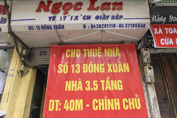 Hàng loạt cửa hàng ở phố cổ Hà Nội lần thứ hai lao đao vì dịch Covid-19  - Ảnh 3.