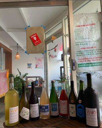 Có một quán ăn đậm chất vỉa hè Việt Nam giữa lòng Seoul: Copy từ bàn nhựa xanh ghế đỏ, đồng phục quán độc đáo có 1 không 2  - Ảnh 13.