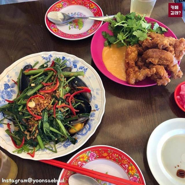 Có một quán ăn đậm chất vỉa hè Việt Nam giữa lòng Seoul: Copy từ bàn nhựa xanh ghế đỏ, đồng phục quán độc đáo có 1 không 2  - Ảnh 16.