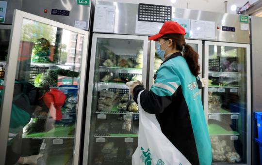 Những gã khổng lồ TMĐT đã hồi sinh ngành bán lẻ tại Trung Quốc như thế nào? - Ảnh 2.