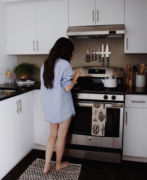 4 thói quen nấu ăn của nhiều gia đình khiến thực phẩm bị mất chất dinh dưỡng, thậm chí có thể gây ung thư - Ảnh 1.
