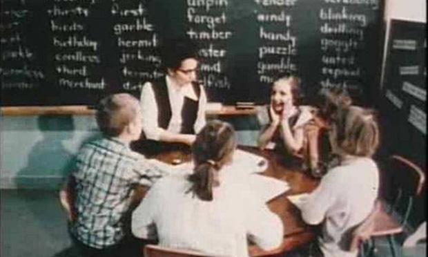 Thí nghiệm Mắt xanh - mắt nâu đặc biệt của cô giáo: Từng khiến học sinh đánh đấm, khinh miệt nhau nhưng cuối cùng được cả thế giới tung hô - Ảnh 3.
