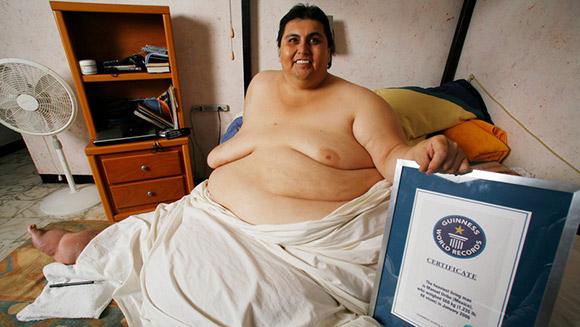 Cận cảnh cuộc sống của người đàn ông nặng nhất thế giới gần 600kg, cả khi cưới và lúc chết đưa tang đều phải thuê xe tải cỡ lớn - Ảnh 4.