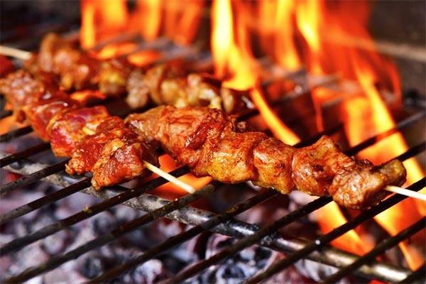 WHO cảnh báo 4 loại thực phẩm nhiều người yêu thích, thường xuyên sử dụng khiến ung thư  tiến gần hơn với sức khỏe - Ảnh 3.